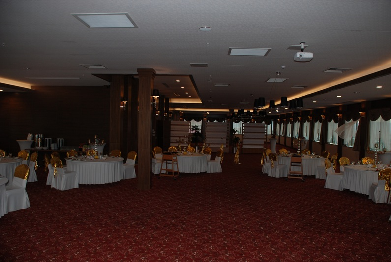 Divalin Hotel Sardunya Salonu